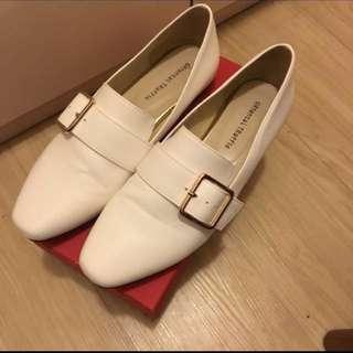 oriental traffic 白色金屬扣皮鞋平底鞋