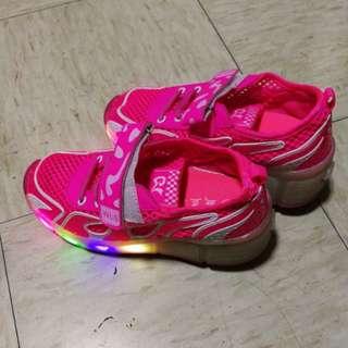 90-95% new (Heelys style ) lighting pink Fluorescent walking shoes