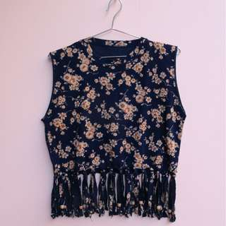 Floral crop top with fringes