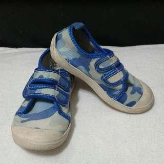 Tough kids camou shoes