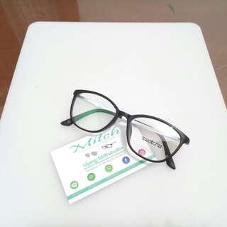 Kacamata L8181
