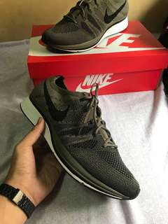 Nike Flyknit Trainer Olive