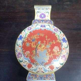 Porcelain Vase 粉彩花瓶