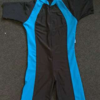 FREONG Baju Renang Pria / Men Swimsuit Model Diving Sz L