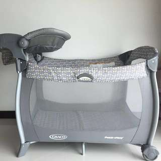 Graco Pack n' Play USA Wilco Gray changer travel crib playpen