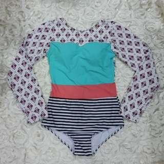 (In stock) BN Long Sleeves Swimwear