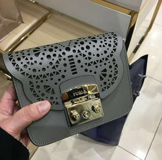 PO Furla Metropolis Small Crossbody