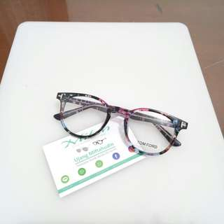 Kacamata 553
