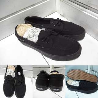 Sepatu Kets Vans Zapato Classics Canvas Full Black Hitam