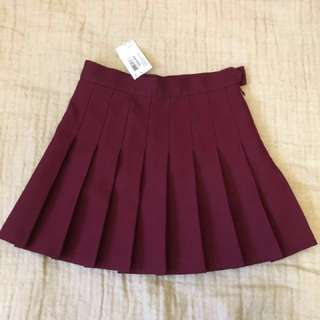 BNWT American Apparel burgundy tennis skirt, XS