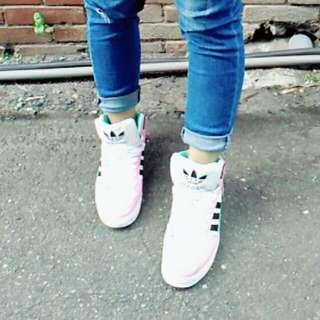 正✩艾迪達高統板鞋#淺色藍粉相間