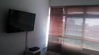 "32"" Sony flatscreen TV"