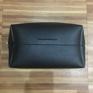 Straightforward Leather Pouch (Black)