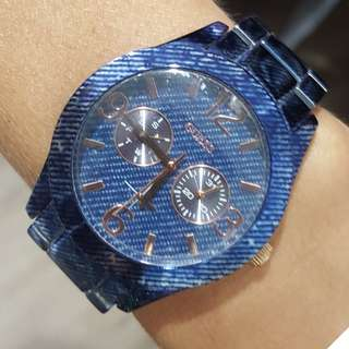 Guess watch with denim look metal band