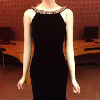 Bring sexy back ! Designer inspired Velvet swarovski Embellished U back dress