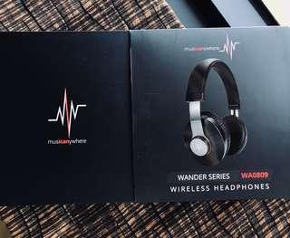 Wireless headphones by musicanywhere WA0809