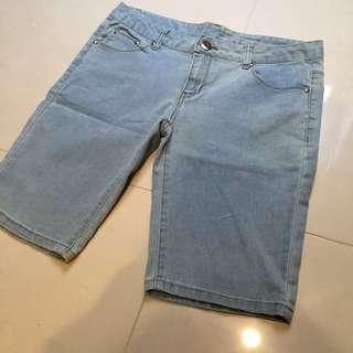 🚚 牛仔短褲 L號 #旺旺一路發