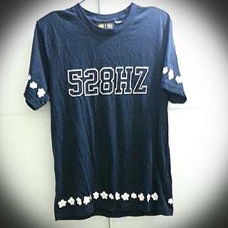 Adidas 深藍色短袖衫
