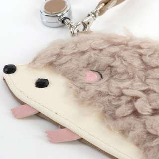 Hedgehog Pass Card Holder (Beige)
