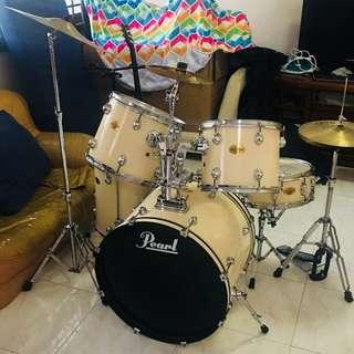 Pearl Drums Complete Set