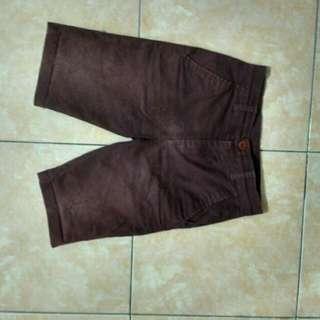 Celana pendek RSCH