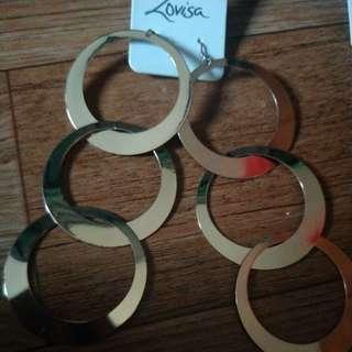 brand new danggling earring from lovisa