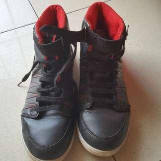 Sepatu hitam sekolah unisex