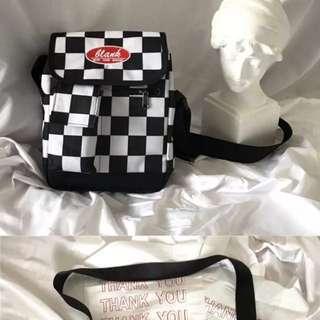 Ulzzang checkered sling bag [Preorder]