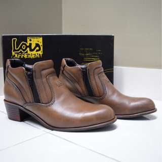 Lois Original Ladies Leather Boots