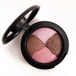 MAC Mineralize eyeshadow quad in Pink Sensibilities