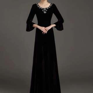 black trumpet sleeve Dress / evening gown