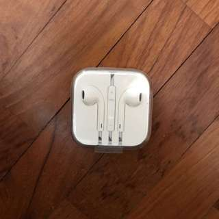Authentic Iphone Earpiece / Apple EarPods / earphones