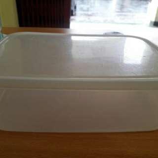 Preloved Tempat Makanan Kotak Transparant
