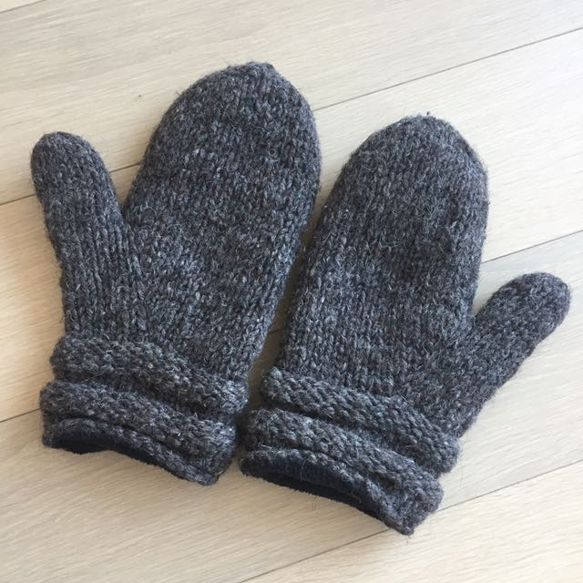 100% wool mittens