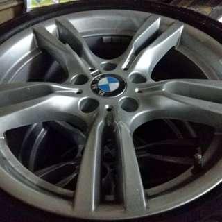BMW 3GT M版 原廠18吋鋼圈 新車只跑14公里