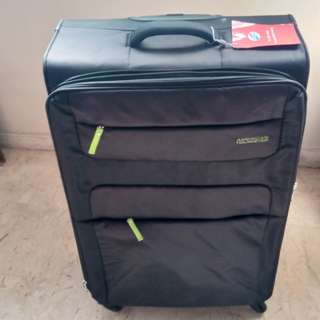TSA lock Luggage American Tourister 82/31 (Large) 80cm tall only 3.6kg