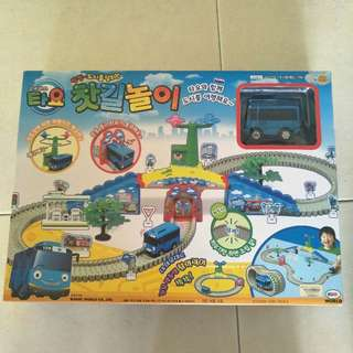 The little bus Tayo Track set