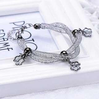 BRAND NEW Elegant Dark Silver Mesh Crystal / Rhinestone / Stardust Swarovski Crystal Inspired Bracelet With Flower Pendants / Charms