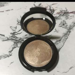 becca mini ss poured highlighter