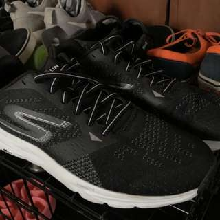 Buy 1 Get 1 Bnew Skechers Run Ride 6 & Vans Authentic