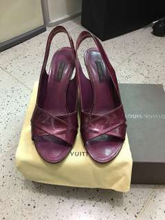 Louis Vuitton LV Purple Patent Leather  BR1017. Size 371/2.