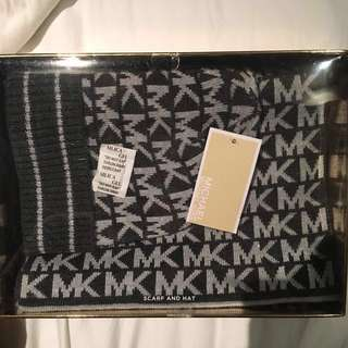 *Marked Down* NEW MICHAEL KORS Scarf + Hat Set