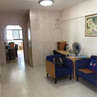 HDB Flat for Rent - 2+1 Bukit Batok Street 11 - Nice House!