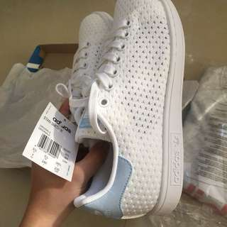 Adidas Stan Smith  Bnew (Authentic) No more lp!!
