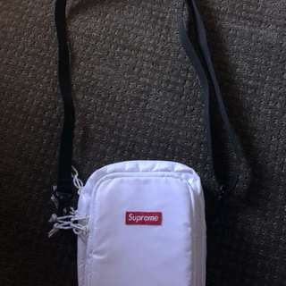 Supreme white shoulder bag