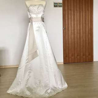 Clearance offer for Wedding Dress