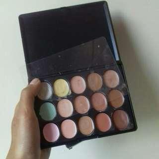 M.n Makeup Concealer Palette 15 Warna