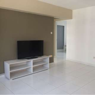 Clean central 4 room Hdb for rent