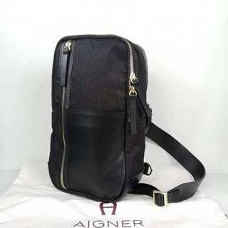 Aigner Sling Pack Black