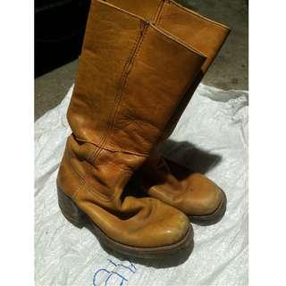kasut boots kulit